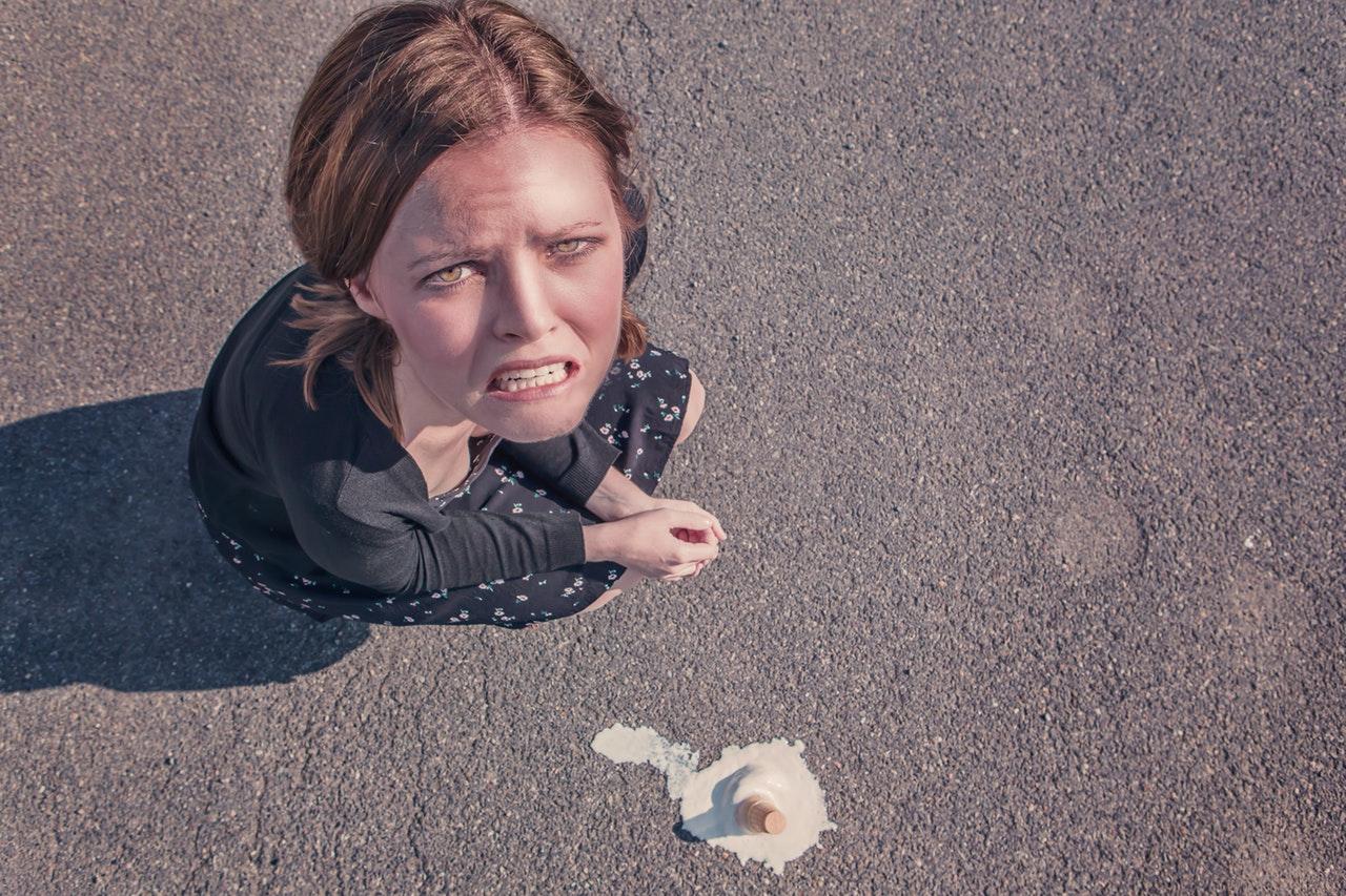 woman-dropped-fail-failure-4091